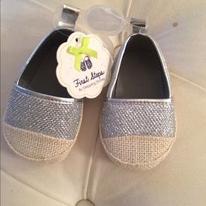 Other - Sparkly crib shoes